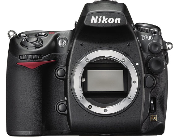 Nikon D700 12.87 MP Body Only