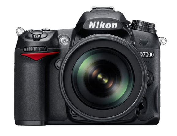 Nikon D7000 16.2 MP with 18-105mm VR Lens