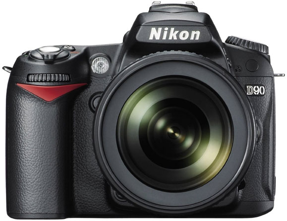 Nikon D90 12.3 MP with 18-105mm Zoom Lens